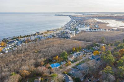 17 SEAVIEW AVE, Hampton, NH 03842 - Photo 2
