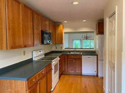 44 WINDSOR CT, Keene, NH 03431 - Photo 2