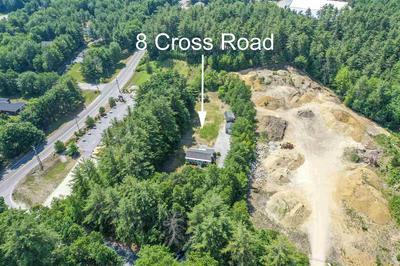 8 CROSS RD, Hooksett, NH 03106 - Photo 2