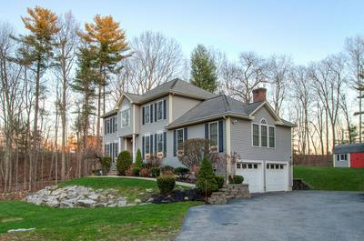 19 SQUIRE ARMOUR RD, Windham, NH 03087 - Photo 2