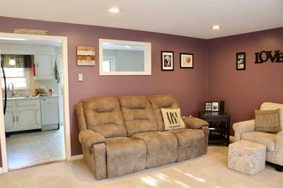 5 BROOKVIEW DR, Londonderry, NH 03053 - Photo 2