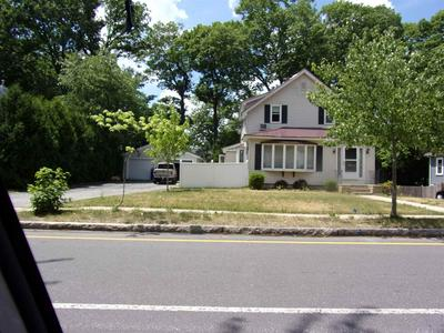 832 MAPLE ST, Manchester, NH 03104 - Photo 2