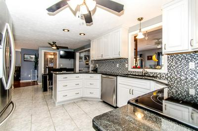 78 MEETINGHOUSE LN, Manchester, NH 03109 - Photo 2