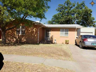 204 N GLOBE AVE, Portales, NM 88130 - Photo 1