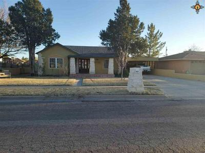 613 W ADAMS AVE, LOVINGTON, NM 88260 - Photo 1