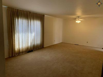820 GUNNISON AVE, GRANTS, NM 87020 - Photo 2