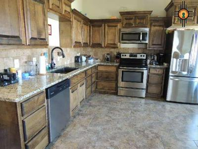 622 W ASPEN AVE, LOVINGTON, NM 88260 - Photo 2