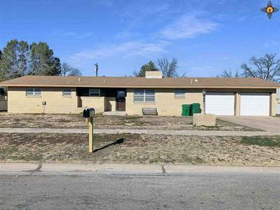 910 W AVENUE K, LOVINGTON, NM 88260 - Photo 1
