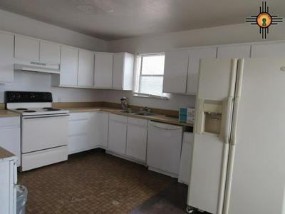 816 E HANCOCK AVE, TUCUMCARI, NM 88401 - Photo 2