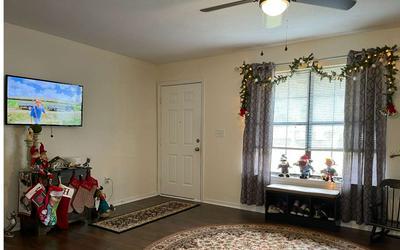 106 HILLCREST CIR NE, Branford, FL 32008 - Photo 2