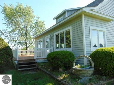 8385 N WISNER RD, Breckenridge, MI 48615 - Photo 2