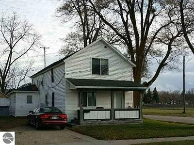 202 PARK AVE, Alma, MI 48801 - Photo 2
