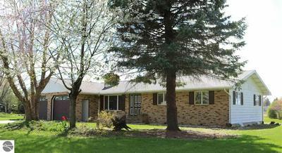 545 WRIGHT ST, Breckenridge, MI 48615 - Photo 2