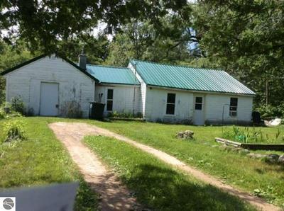 4827 N 15 RD, Mesick, MI 49668 - Photo 1