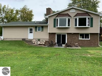 5091 CANOE LN, Alma, MI 48801 - Photo 2