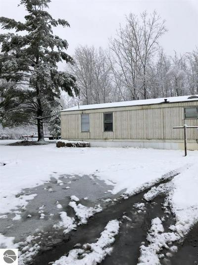 4983 FLOCK RD, Beaverton, MI 48612 - Photo 1