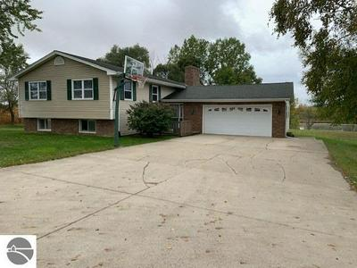 5091 CANOE LN, Alma, MI 48801 - Photo 1