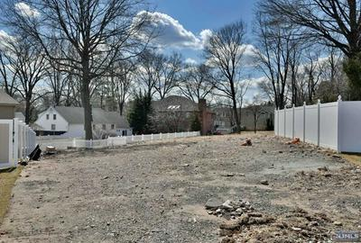 20 HELEN CT, Norwood, NJ 07648 - Photo 2