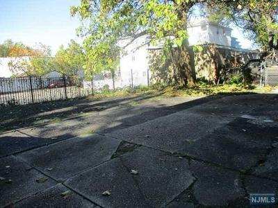 127 SUNSET AVE, Newark, NJ 07106 - Photo 2