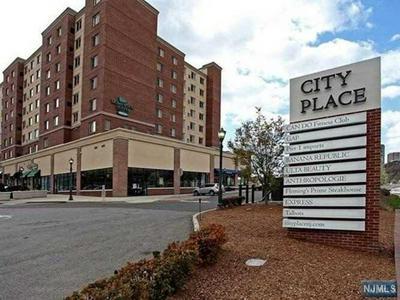 2313 CITY PL, EDGEWATER, NJ 07020 - Photo 1