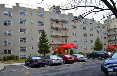 2205 N CENTRAL RD APT 3A, Fort Lee, NJ 07024 - Photo 1