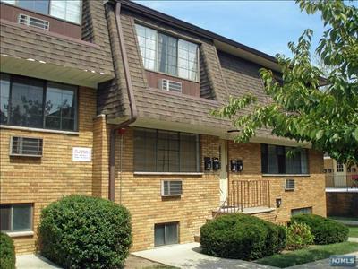 89-93 TEANECK RD APT C4, Ridgefield Park, NJ 07660 - Photo 2