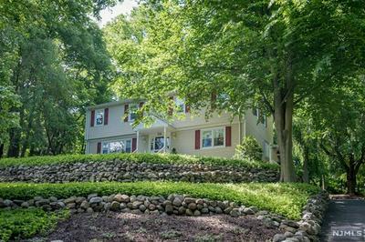 638 KNOLLWOOD RD, Franklin Lakes, NJ 07417 - Photo 2