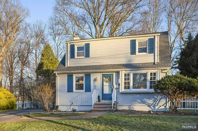 31 CAMBRA RD, Waldwick, NJ 07463 - Photo 1