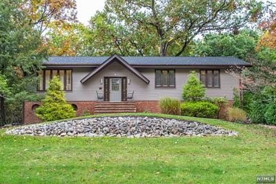 208 HILLTOP CT, Pompton Lakes, NJ 07442 - Photo 1