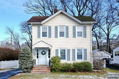 437 GREENWOOD AVE, Wyckoff, NJ 07481 - Photo 2