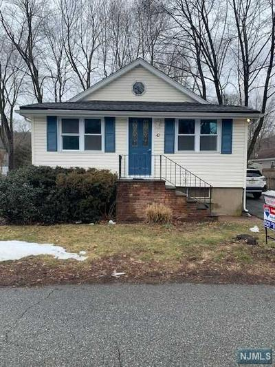 44 LAKEVIEW TER, Oakland, NJ 07436 - Photo 1