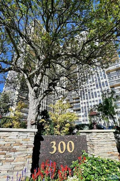 300 WINSTON DR APT 1911, CLIFFSIDE PARK, NJ 07010 - Photo 2