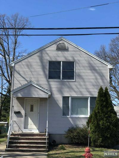 136 10TH AVE, HAWTHORNE, NJ 07506 - Photo 1