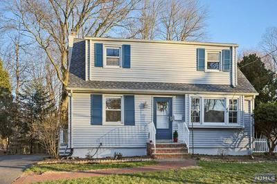 31 CAMBRA RD, Waldwick, NJ 07463 - Photo 2