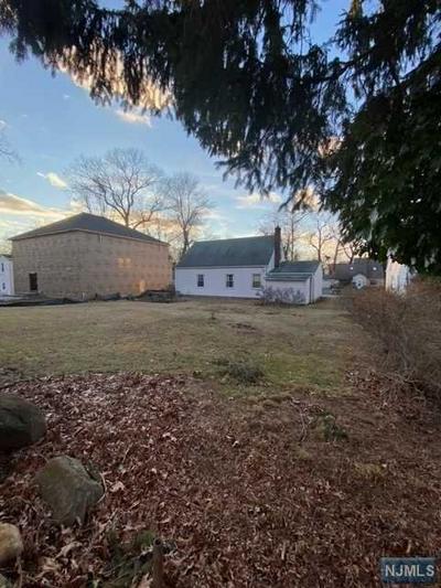 30 ELMWOOD DR, Livingston, NJ 07039 - Photo 2