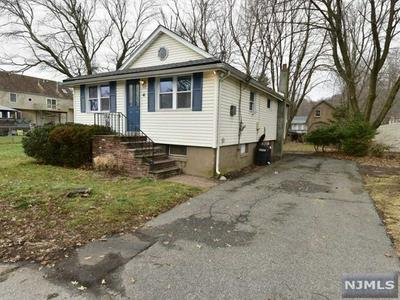 44 LAKEVIEW TER, Oakland, NJ 07436 - Photo 2