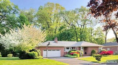 907 WILDWOOD RD, ORADELL, NJ 07649 - Photo 1