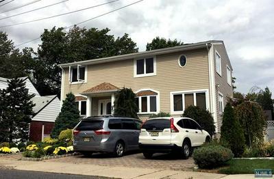 725 HAMILTON AVE, RIDGEFIELD, NJ 07657 - Photo 1