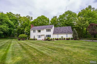 350 VALLEY VIEW DR N, Franklin Lakes, NJ 07417 - Photo 2
