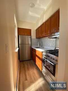 239 CRESCENT LN APT 4, Cliffside Park, NJ 07010 - Photo 2
