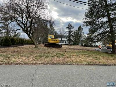 2 SQUIRE HILL RD, North Caldwell, NJ 07006 - Photo 2