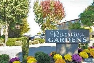 132 RIVERVIEW CT, SECAUCUS, NJ 07094 - Photo 1