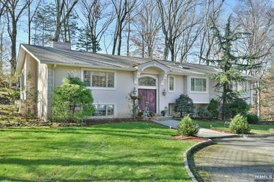 692 HIGH MOUNTAIN RD, Franklin Lakes, NJ 07417 - Photo 1