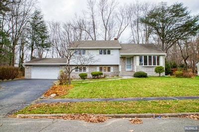 32 COLLINS AVE, Closter, NJ 07624 - Photo 2
