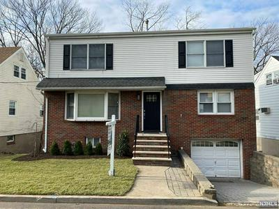 773 OAKWOOD LN, Ridgefield, NJ 07657 - Photo 2