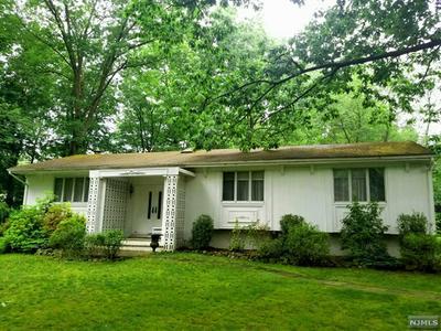 868 MEADOW LN, Franklin Lakes, NJ 07417 - Photo 2