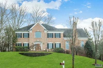 2 KINGSBURY CT, Upper Saddle River, NJ 07458 - Photo 2