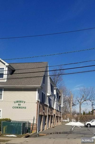 85 LIBERTY PL APT 4, Palisades Park, NJ 07650 - Photo 2