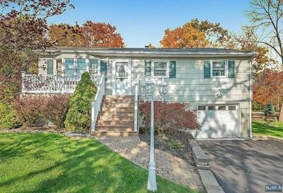 13 SQUIRE RD, Hopatcong, NJ 07843 - Photo 2