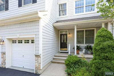 100 PHEASANT RUN, OLD TAPPAN, NJ 07675 - Photo 2